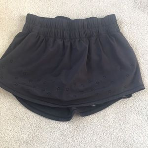 lululemon black tennis skirt